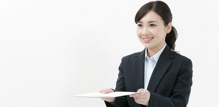 履歴書を直接持っていく場合は封筒が必要?渡し方は?正しいマナーを解説