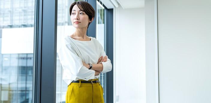 女性のビジネスカジュアルとは?基本的なマナーとNGアイテムも解説
