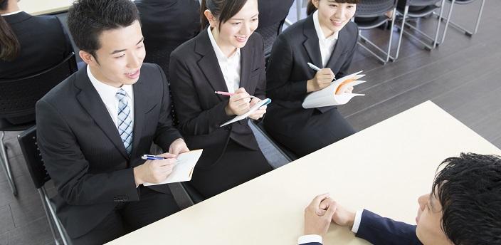 「企業選びのポイントは何ですか?」の正しい答え方とは?例文つきで解説
