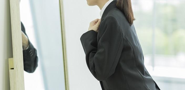就活のブラウスは第一ボタンまで留める?面接での服装マナーをご紹介