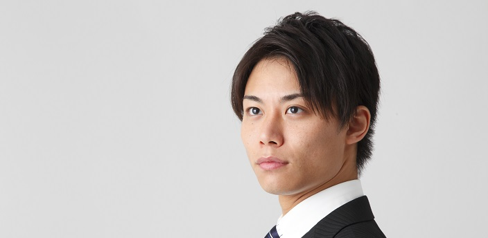 就活の証明写真、髪型やネクタイが気になる男性へ!