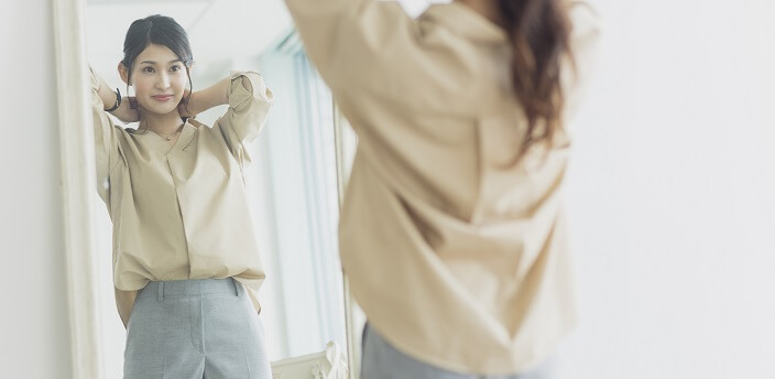 カジュアルな服装って?就活で好印象を与える服選びのコツや注意点を解説
