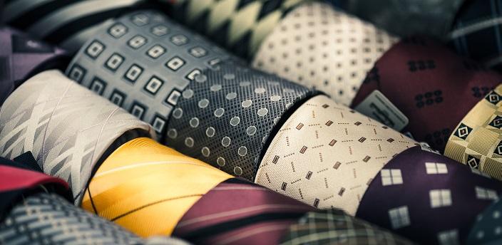 就活は無地のネクタイがおすすめ!好印象な色と選び方のコツを解説